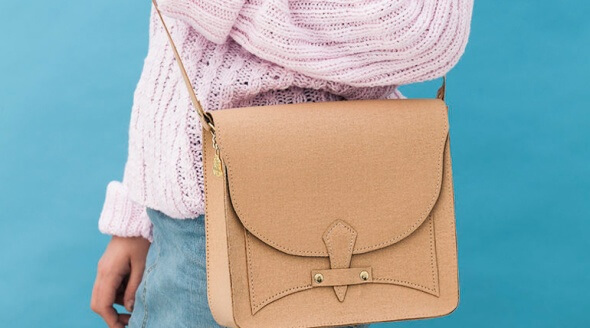 Gorgeous handbags and purses for fashion-conscious shoppers are available from Wilby (www.wilbyclutch.com).