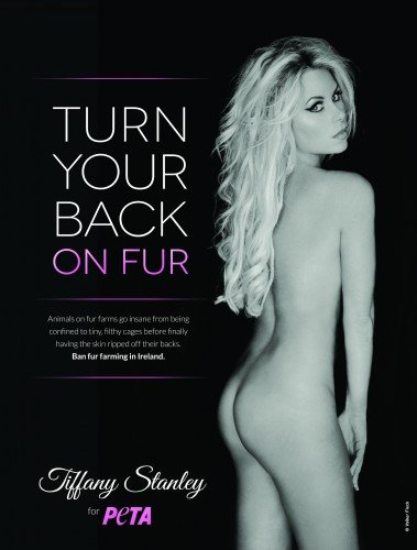 Sexy model poses naked in PETA Ad