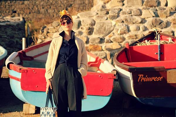 Ainé Carlin boat