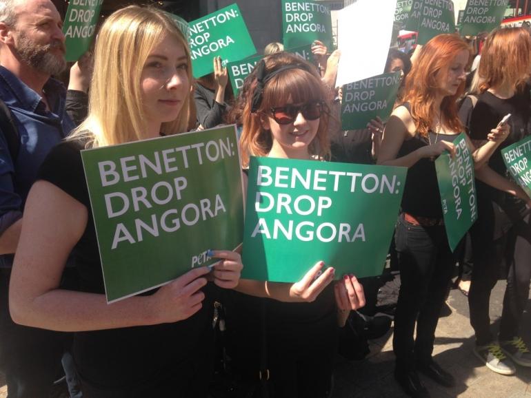 Benetton 2 protesters_mini