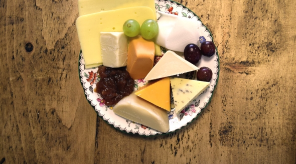 Cheese plate above_mini