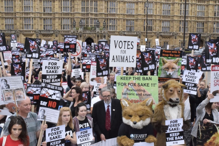 Fox Hunting Protest July 2015_mini
