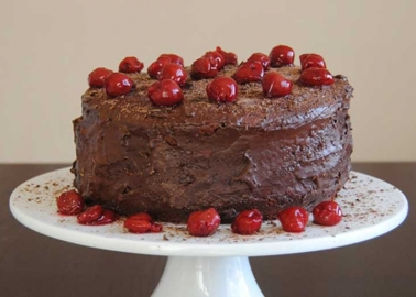 Malwina's chocolate-and-cherry cake from veg-cranberry.weebly.com