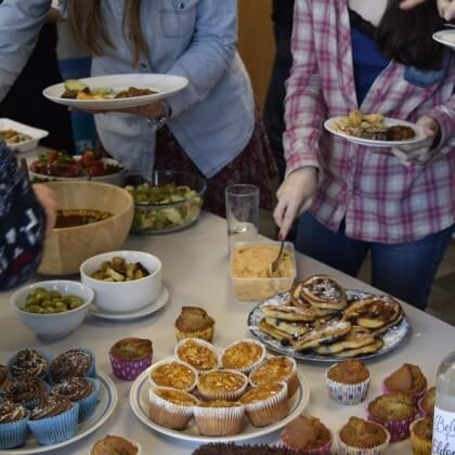 7 Friendly, Fun and Easy Ways to Persuade Others to Go Vegan