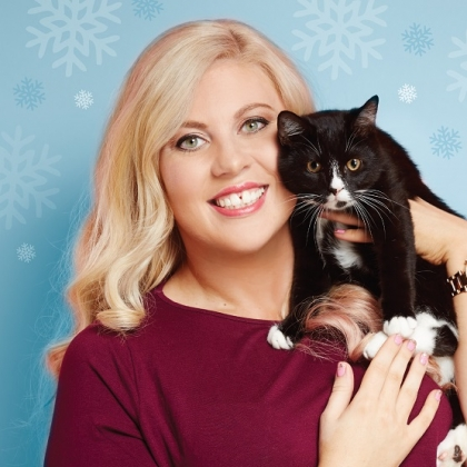 'Sprinkle of Glitter': A Cat Is for Life, Not Just for Christmas