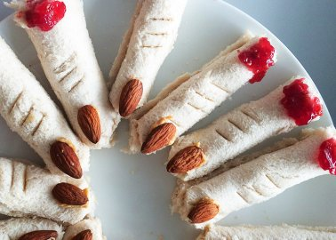 8 Spooktacularly Easy Vegan Halloween Snack Ideas
