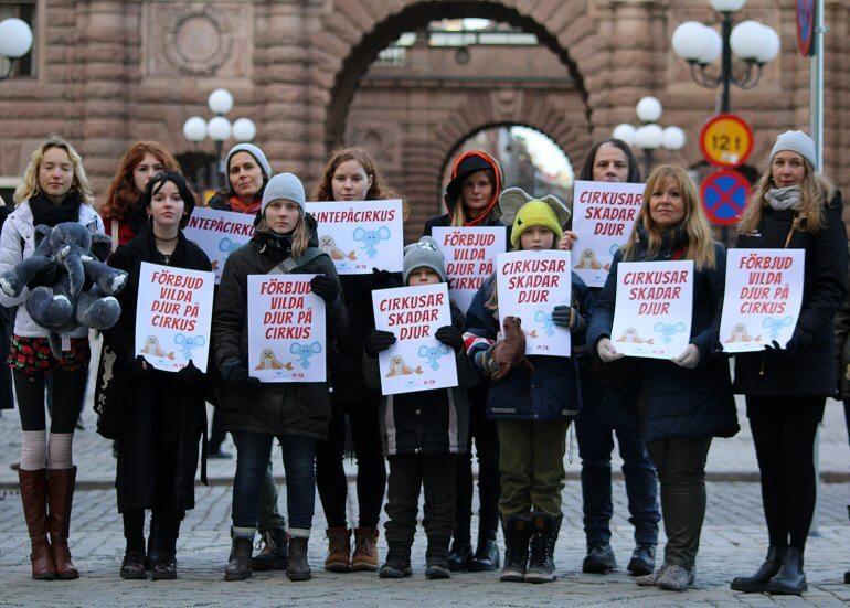 sweden-circus-children-demo