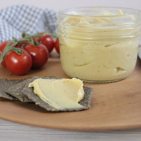 Tangy Spreadable Cashew Cheese