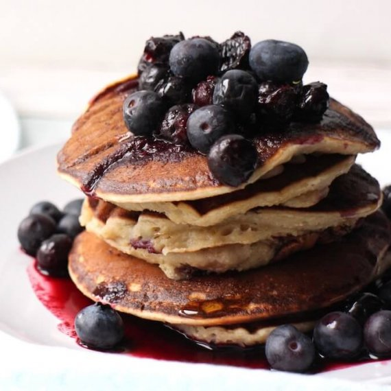 Blueberry Pancakes with Compote