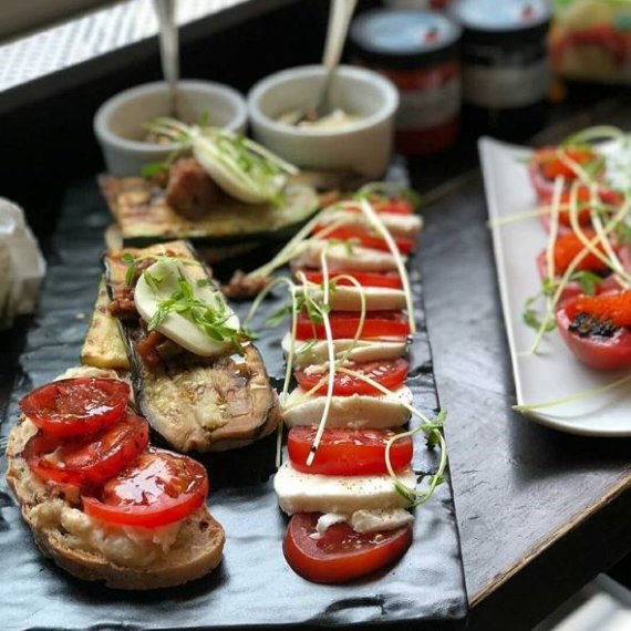 MozzaRisella Vegan Cheese Salad