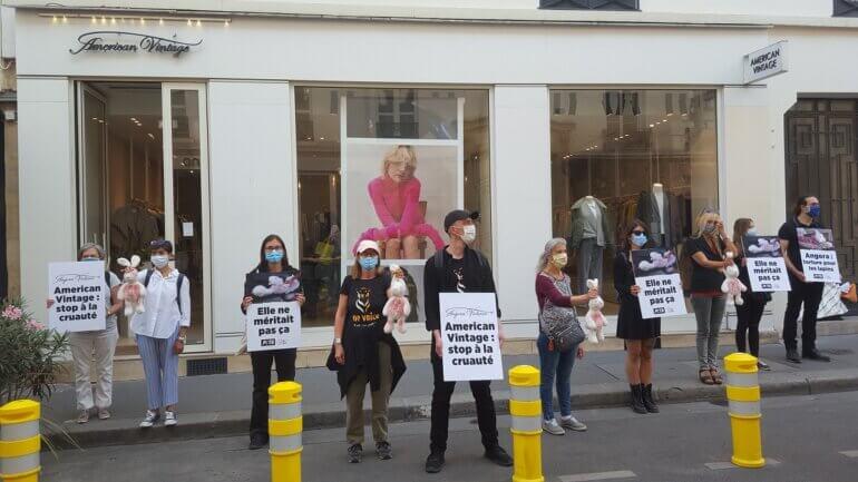 Image shows protest in Paris