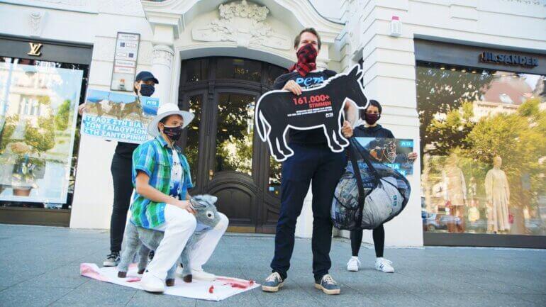 Image show PETA Germany demonstration